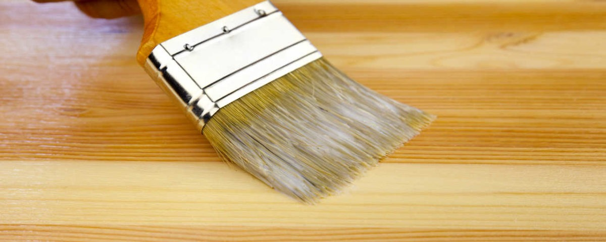 Cinco errores a evitar pintando muebles de madera for Pintura para madera