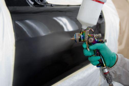 C mo pintar tu coche en 6 sencillos pasos equipos lagos for Cuanto cuesta tapizar un coche